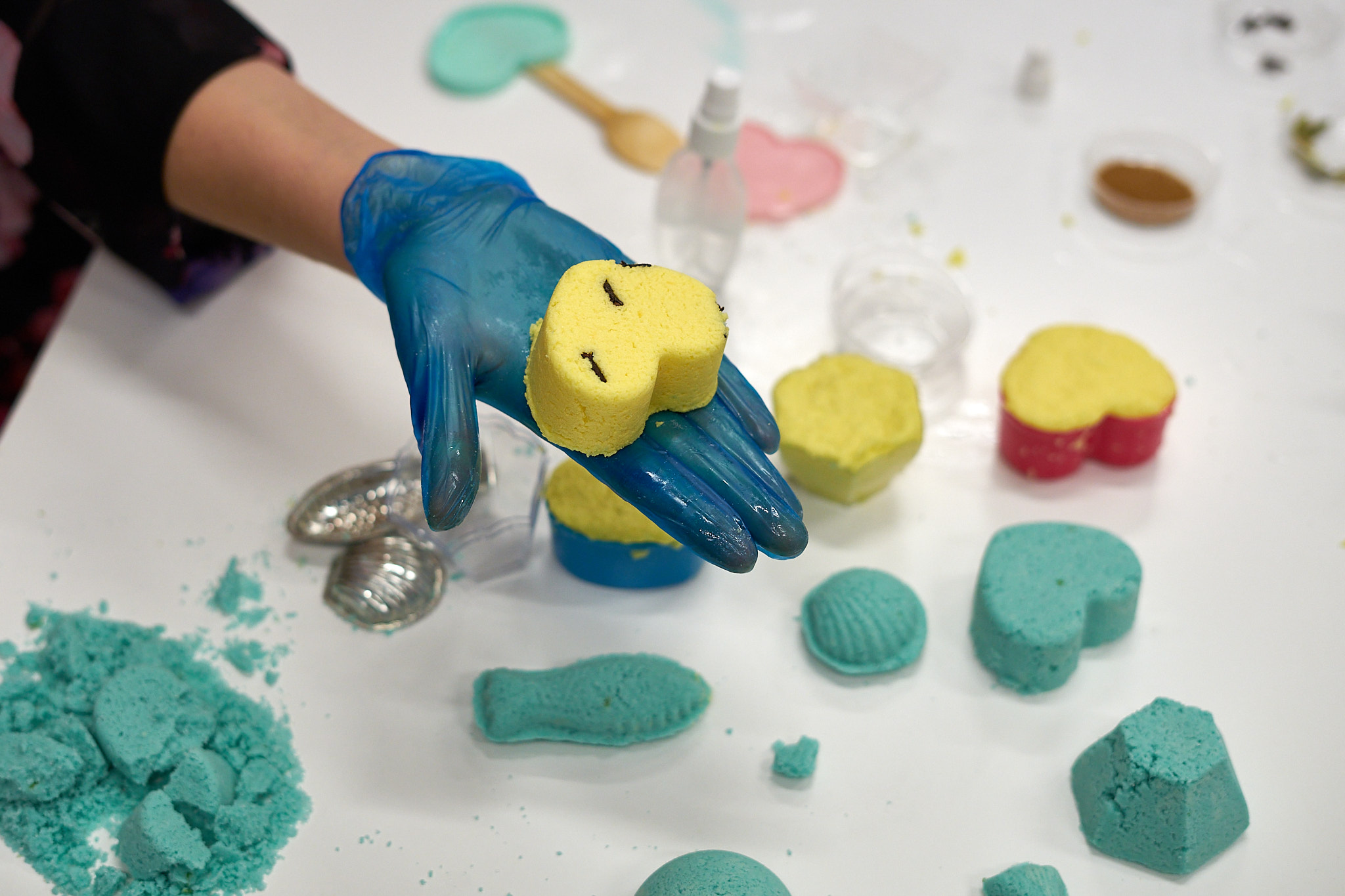 """""""Naturalne kosmetyki- kule do kąpieli inspirowane podróżami"""" – V Międzynarodowy Kongres Kreatywny Design Plus / Dzień 2"""